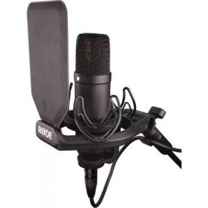 rode nt1condenser microphone